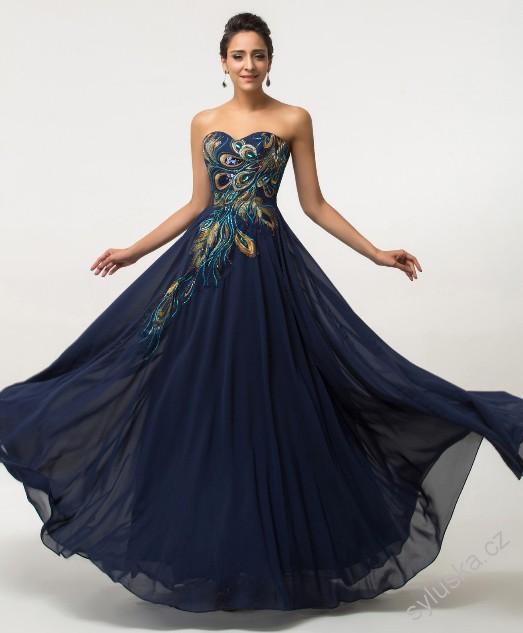 Tmavě modré šaty s paví výšivkou ca77cef971