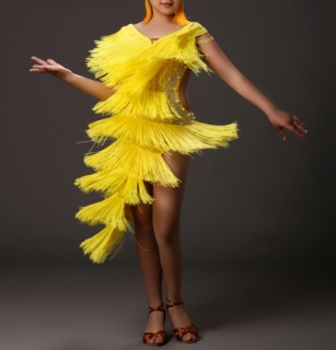 2bb1f4ae4fc3 Dívčí latino šaty LEAH s třásněmi